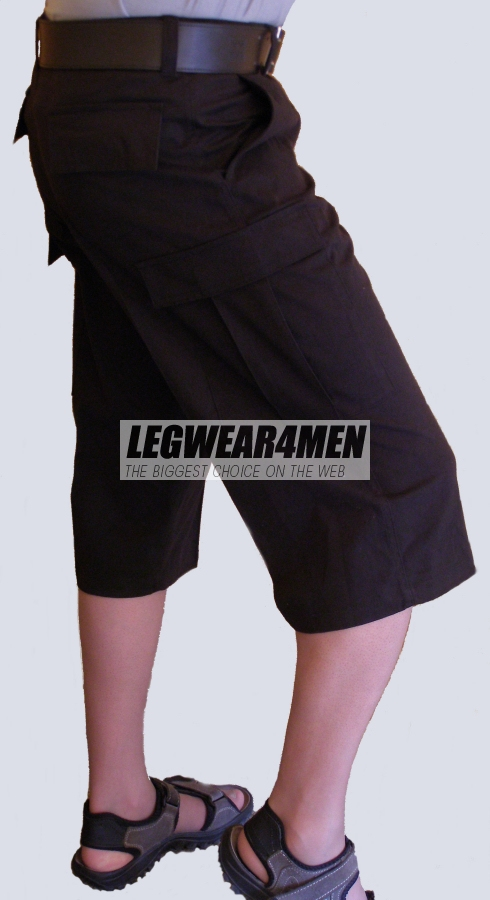 L4M 920 Capri-length Cargo Shorts